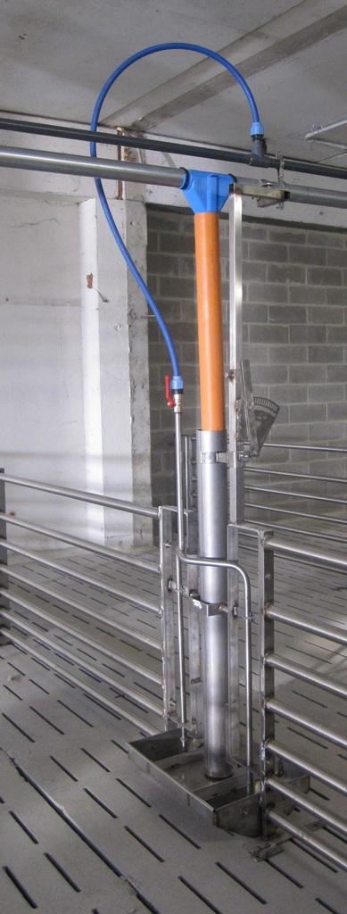 Mangiabevi inox dimensioni 100x60x40 cm da installare su divisorie
